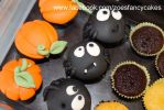 Mini halloween cupcakes by zoesfancycakes