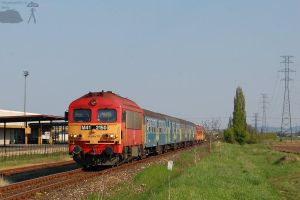 M41 2150 with passenger train by morpheus880223