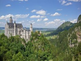 Neuschwanstein Castle by NorroenDyrd