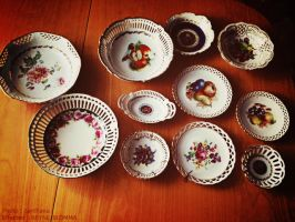 Old Dishes by NEYNE-BLOMMA