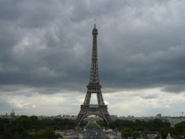Eiffel Tower by bhazler