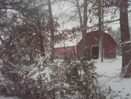 Red Barn in the Snow by KyogreMaster