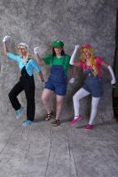 Super Mario Sisters Cosplay!! by FuzzyRedPants