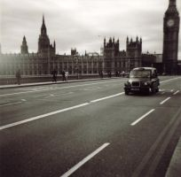 London 1 by mazemind