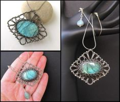 green labradorite necklace by annie-jewelry