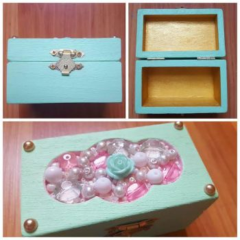 'Sweet Dreams' Jewelry Box by CrimsonsCreations