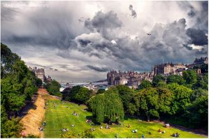 Edinburgh waiting for storm by baarisa