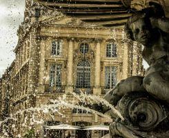 Bordeaux - Fountain and Statue by Raghnos