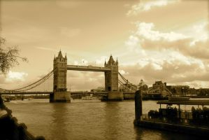 Tower Bridge by fireoyster