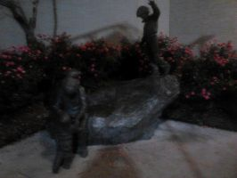 Mall Statue by Highwayhoss