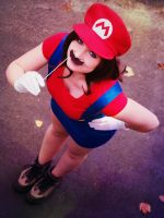 Super 'female' Mario I by st3rn1