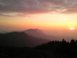 sunset from alishan by realix