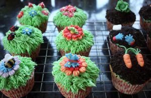More Garden Cupcakes by peeka85
