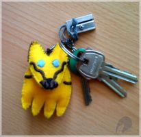 Bee keychain by antubis0