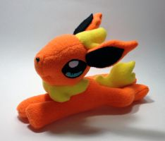 Pokemon - Flareon beanie custom plush by Kitamon