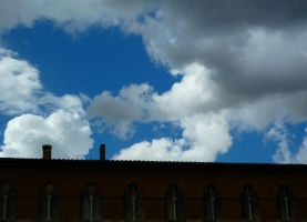 clouds over Siena by st2wok