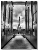 Eiffel tower by vrphoto