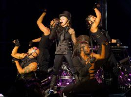 confessions tour by sunlight7