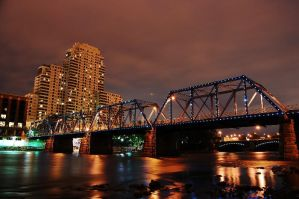 Grand Rapids Pedestrian Bridge by golfiscool