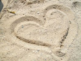 L.O.V.E in the SAND III by DominosAreFalling