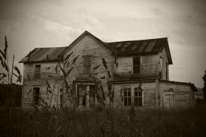 The Empty House by HeStoppedTheRain