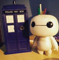 doctor who and baymax by anadarksoul