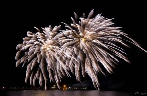Feu d'artifice Ile-Rousse by DLozanoPhotographie