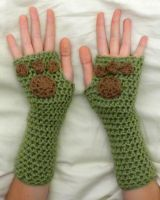 Pawprint Gloves by theCuddlyCephalopod