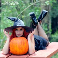 little miss witch II by RayneZZ