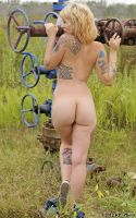 Sabrina Sin at the gas well by rp-photo
