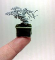 Micro-sized wire bonsai sculpture by KenToArt