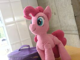 pinkie pie in my school by lemonkylie