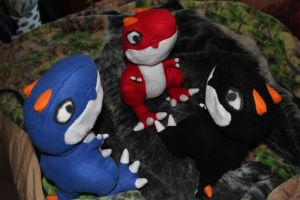 T-Rex Plushies 2 by lokiie1984