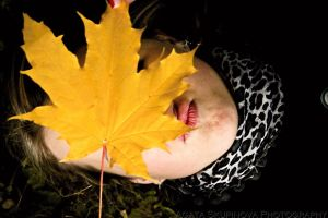 Autumn Face by AgizZz