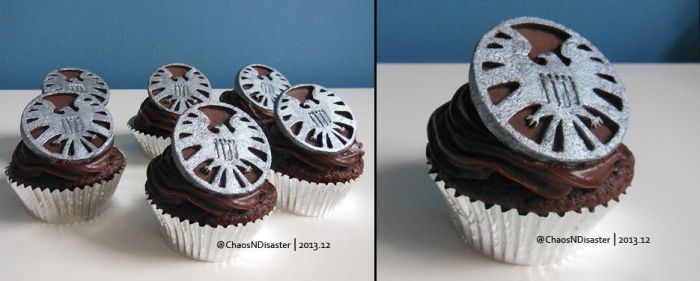 S.H.I.E.L.D. cupcakes by ChaosNDisaster