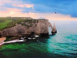 Encore Etretat! by Thynies