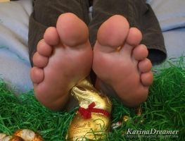 Karinas Easter Feet by KarinaDreamer