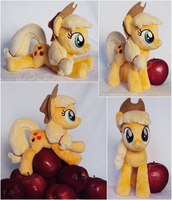 Applejack Beanie by ButtercupBabyPPG