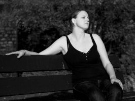 Fliss on bench by gdelargy