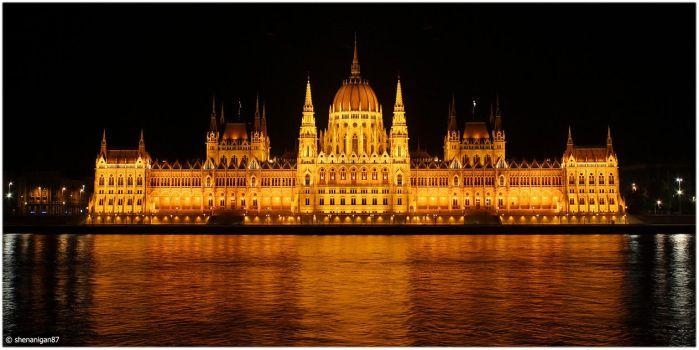 Parliament Building by shenanigan87