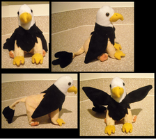 Gryphon Plushie by LyricAndMemories