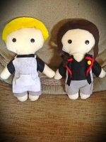 Peeta and Katniss Plushie by jasmineofderpsalot