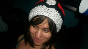 Pokeball Hat by candypow