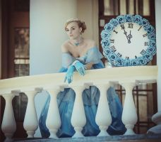 Waiting for a prince by LilSophie
