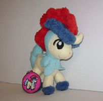 Keldeo Plush by sorjei