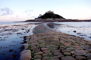 Evening incoming tide at St Michaels mount by dartmoor4