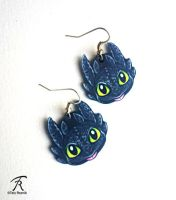 Toothless Earrings by TrollGirl