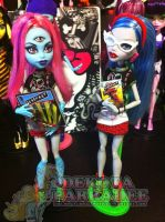 Monster High - Nerds, Geeks and Fangirls by Chibi-Warmonger