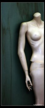 Mannequin by Saphirot