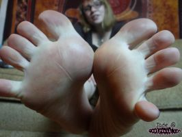 Jade and her amazing toespread by footpunkz